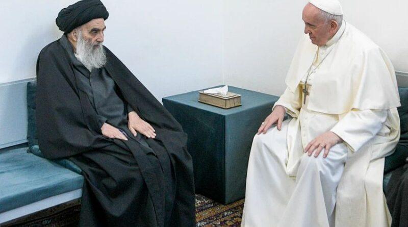 ראש הדת הקתולית האפיפיור פרנסיסקוס במפגש היסטורי עם ראש הדת השיעית האייטולה הגדול עלי אל-סיסטאני